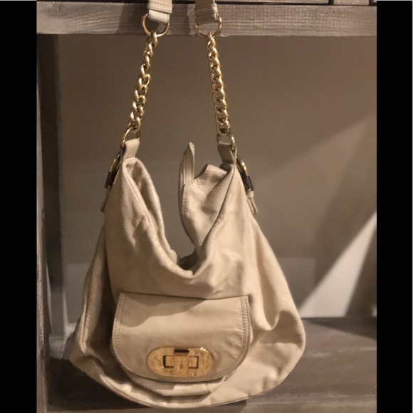Badgley Mischka Handbags - Cream leather shoulder bag with gold chain